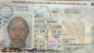 Imagem mostra página de passaporte com informações de identificação de Deeday Rodney, batizado em homenagem ao Dia D, na Segunda Guerra