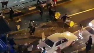首都テヘランでの抗議デモ