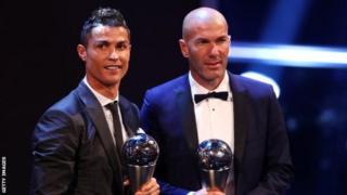Cristiano Ronaldo n'umumenyereza wiwe Zinedine Zidane babaye abambere kw'isi umwumwe wese mu gisata arimwo