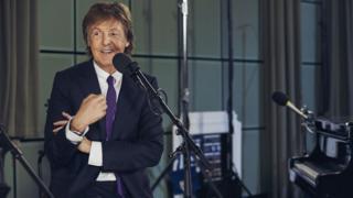 Paul McCartney durante a entrevista para o programa Mastertapes