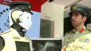 Robot Police Dubai