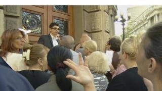 Citizens outside the prime minister's office, Belgrade