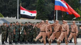 Rus güçleri 2016'da Lazkiye'de yapılan bir askeri törende