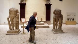 Os turistas estão retornando aos museus do Iraque