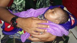 الرضيع الذي تم انقاذه