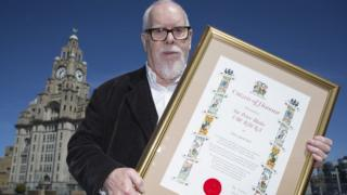 Sir Peter Blake with the Citizen of Honour award