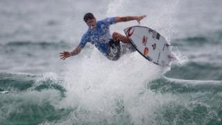 Campeão Mundial de surfe em 2014, o brasileiro Gabriel Medina manifestou interesse em participar dos Jogos Olímpicos