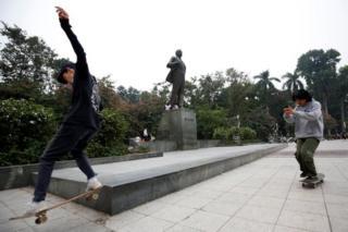 Igihugu c'igi Komunista ca Vietnam kiboneka nk'akarorero kuri Korea ya Ruguru ku mahinduka cakoze mu vy'ubutunzi na politike
