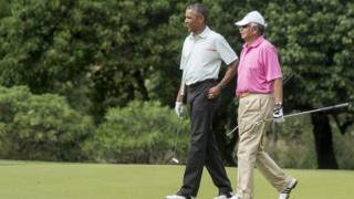 Barack Obama and Najib Razak play golf at Marine Corps Base Hawaii