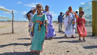 niñas y mujeres wayú