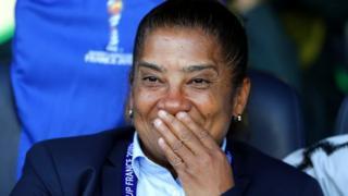 دزیره الیس که در المپیک ۲۰۱۶ ریو دستیار ورا پائو، مربی وقت تیم ملی زنان آفریقای جنوبی بود، پارسال گذشته هدایت این تیم را برعهده گرفت.