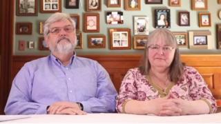کینیڈا، جوشوا کے والدین
