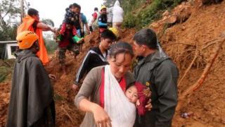 Iyalai sun shiga tasku bayan zabtarewar kasar da guguwar ta haifar a Benguet