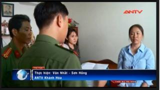 Blogger Mẹ Nấm tại cơ quan công an