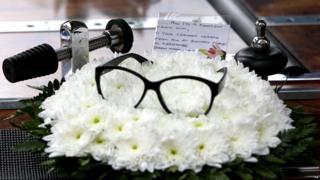 Ronnie Corbett funeral flowers