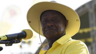 Perezida Yoweri Museveni azoba afise imyaka 77 igihe c'amatora akurikira