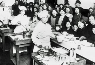 The first National Kitchen at 104 Westminster Bridge Road, opened by Queen Mary on 21 May 1917