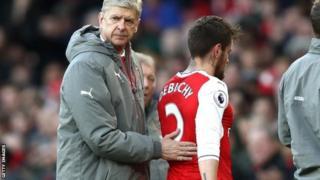 Beki wa Arsenal Mathieu Debuchy