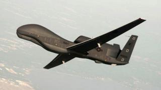 美国(RQ-4)军用无人侦察机