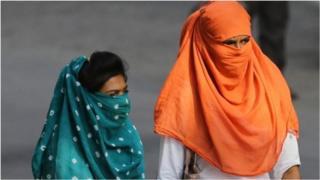 उत्तर आणि मध्य भारतात अनेक ठिकाणी उन्हाचा कडाका प्रचंड वाढला आहे. पारा चाळीस अंशांच्या पार पोहोचला आहे. हा उष्मा आरोग्याला घातक ठरू शकतो.