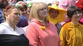 Joanna Scanlan, Sarah Lancashire ac Eiry Thomas