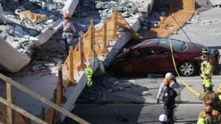 Le pont de la Florida International University, long de 53 mètres et pesant 950 tonnes s'est affaissé jeudi.