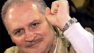Carlos nació en Caracas en 1949.