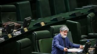 این دومین بار است که علی مطهری در کمتر از شش ماه درباره نحوه عمل مجمع تشخیص مصلحت نظام هشدار می دهد