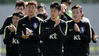 英プレミアリーグ・トッテナムに所属する韓国代表フォワードのソン・フンミン(中央)は、スウェーデン戦で先発が予想されている