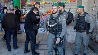 Israeli security personnel in Jerusalem's Old City (08/12/17)