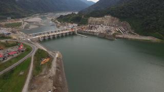 Central hidroeléctirca desde el aire