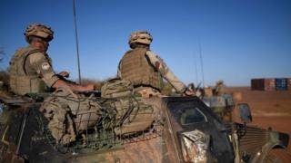 Faransiiska waxaa Mali ka jooga ciidamo dhan 4000 oo askari.