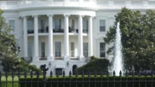 پیاده رویی که در امتداد حفاظ جنوبی کاخ سفید قرار دارد