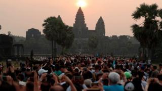 کمبوڈیا کا اینگکور واٹ مندر جس کے کلس سے سورج کو طلوع ہوتے دیکھا جا سکتا ہے