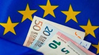 EU flag and notes