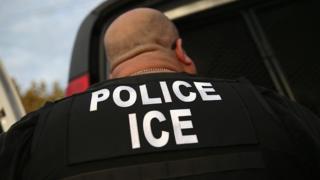 Agente do ICE
