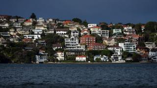 Houses on the coast of Sydney harbour