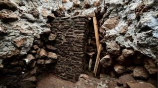 ভূমিকম্পের পর হঠাৎ করেই পাওয়া গেছে প্রাচীন এক মন্দিরের সন্ধান