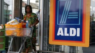 Aldi reports record sales but profits drop amid price war
