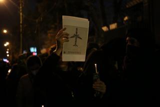 یادبود جانباختگان سقوط هواپیمای اوکراین