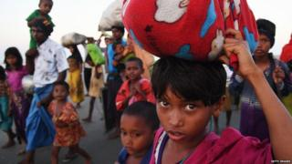 अप्रैल से लगभग 4000 लोग विस्थापित हो चुके हैं