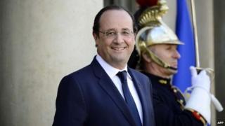 Umukuru w'igihugu c'Ubufaransa Francois Hollande yaranse kwitoza ku kiringo ca kabiri