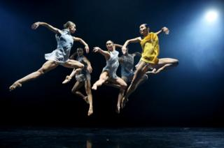Dancers form the Sydney Dance Company