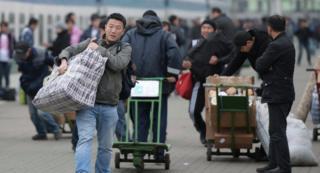 Россияда бир миллиондон ашык кыргыз мигранттары иштейт