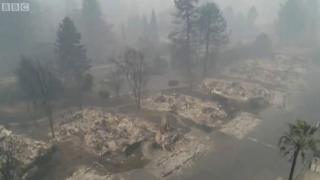 산불로 폐허가 된 마을