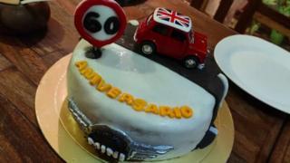 Mini'nin doğumgünü pastası.
