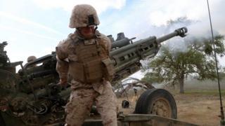 артиллерийский расчет армии США