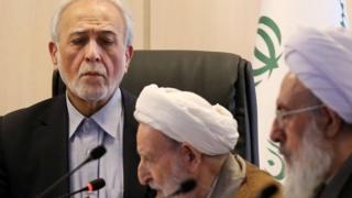 برخی از اعضای شورای نگهبان همچون محمد یزدی در جلسه امروز مجمع حاضر بودند