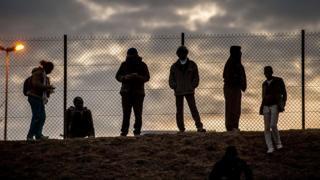 Calais düşərgəsində miqrantlar