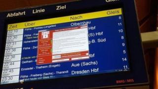 Frankfurt vokzalidagi poyezdlar jadvali ekrani